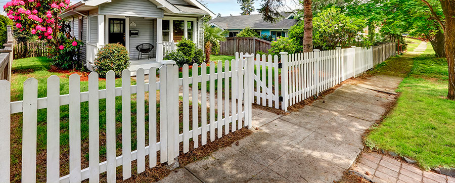 Reasons to hire a professional Fencing Contractors